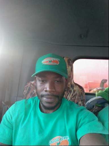 Mo Jamba headshot.