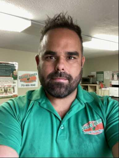 Fabio Quintanilha headshot.